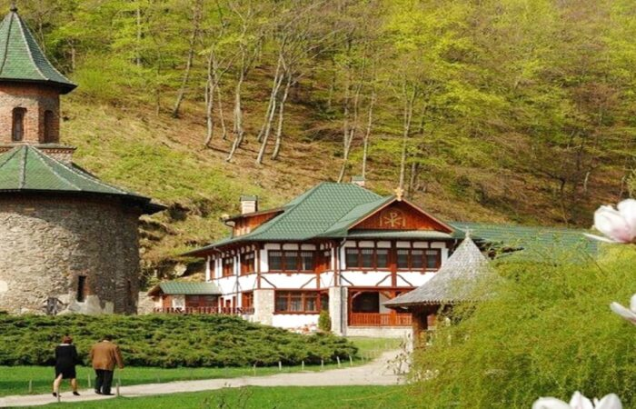 royaltrip manastire prislop pelerinaj