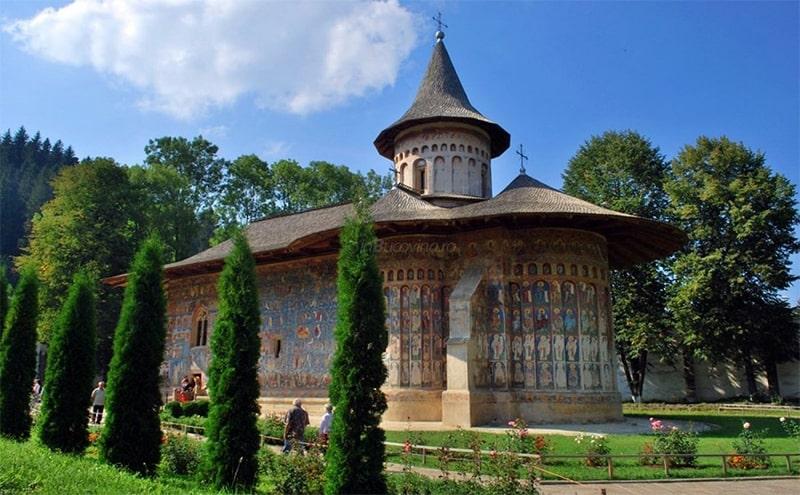 excursie 3 zile manastirea voronet royaltrip