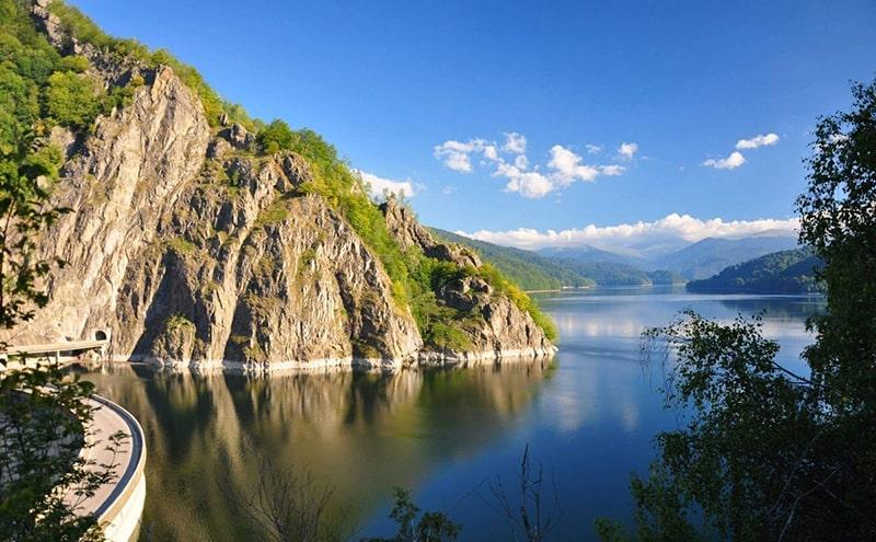 lacul barajul vidraru excursie o zi royaltrip