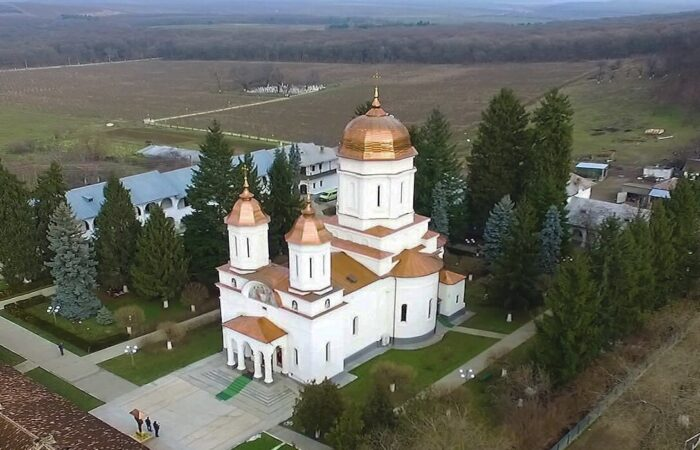 manastirea cocos tulcea royaltrip excursie o zi